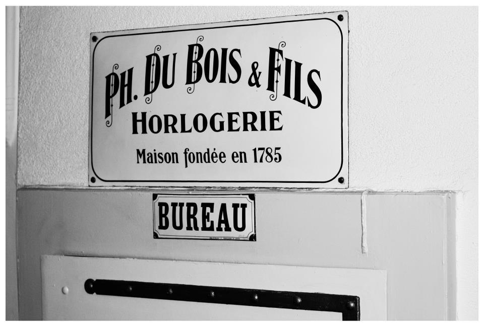 Dubois & Fils sign