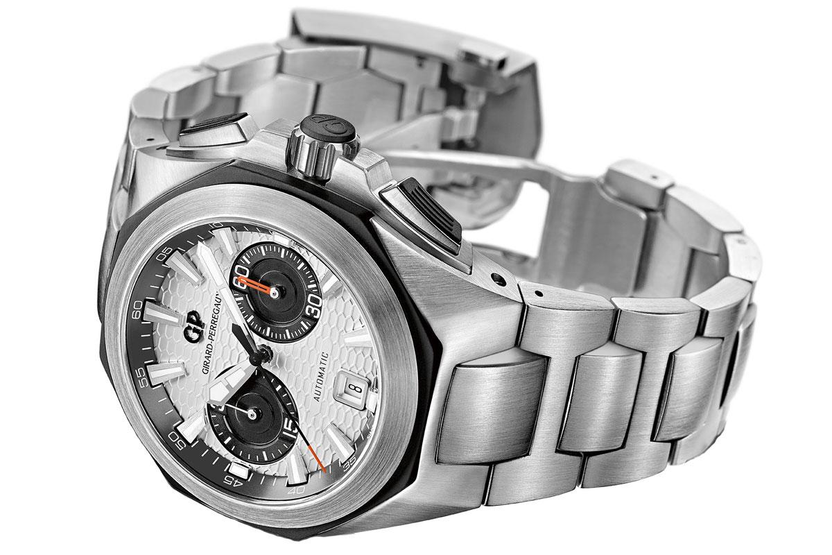 Girard-Perregaux Chrono Hawk with bracelet