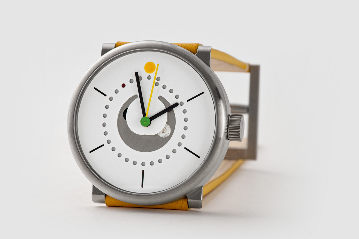 moon-phase-watch-ochs-und-junior-yellow-strap-silver-filings-BEA4622_RGB - Copy