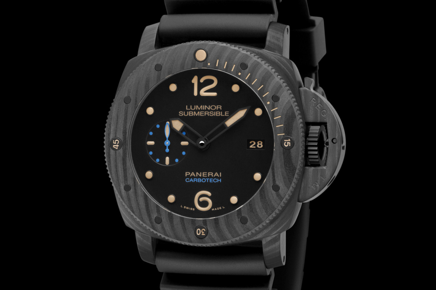 Panerai-Luminor-Submersible-1950-Carbotech-3-Days-Automatic-47mm-PAM00616-3