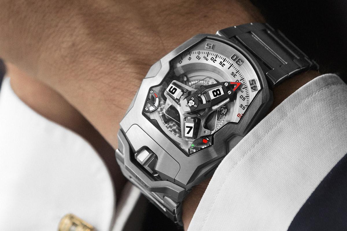 Urwerk-UR-210S-bracelet-10