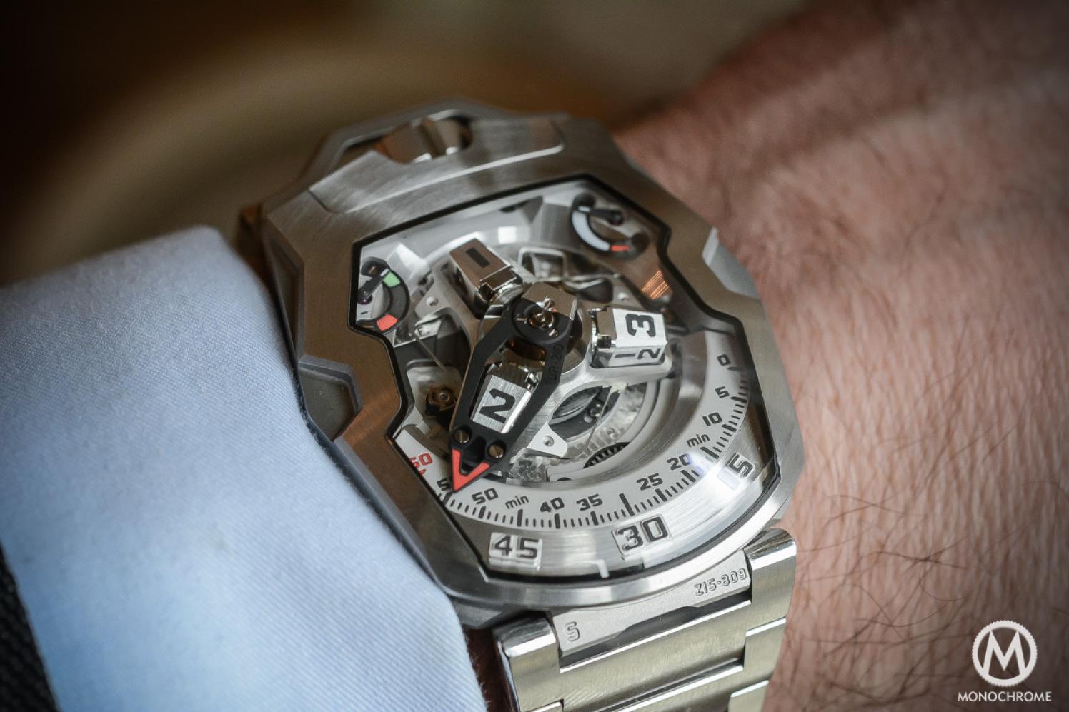 Urwerk-UR-210S-bracelet-1