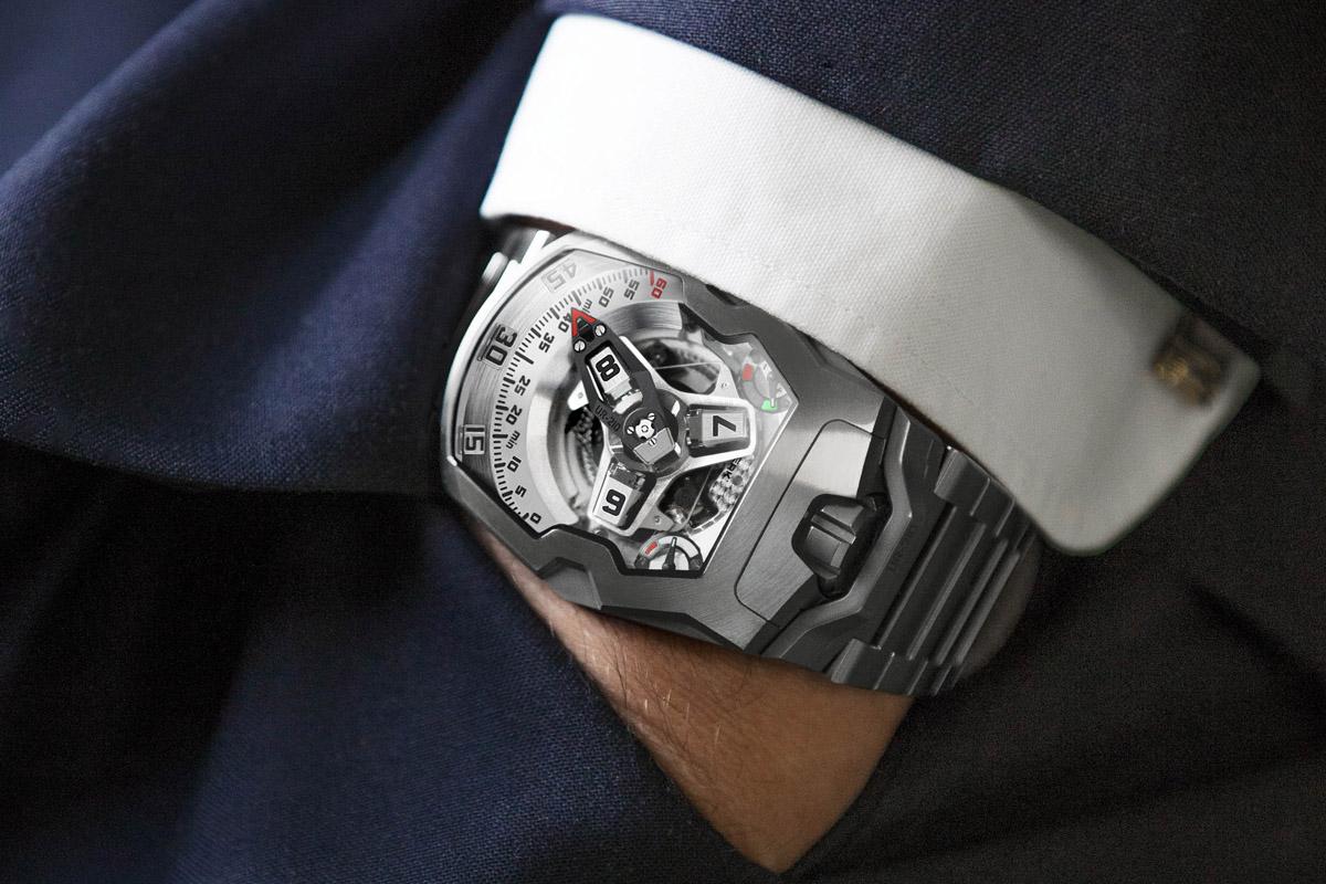 Urwerk UR-210S bracelet