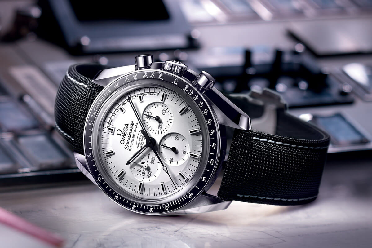 Omega Speedmaster Moonwatch Professional Silver Snoopy Award Apollo 13 - 2