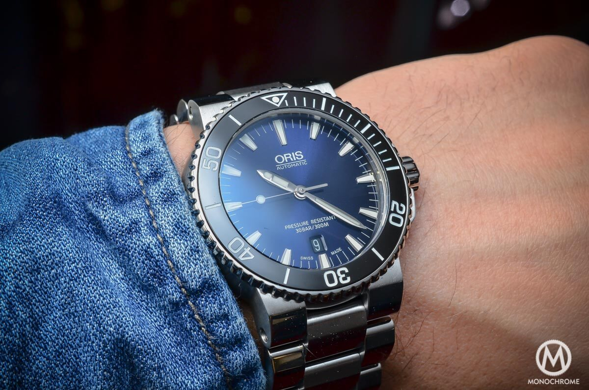 a1232bd0994 Hands-on with the Oris Aquis Date with a gradient blue dial - Specs   price  - Monochrome-Watches