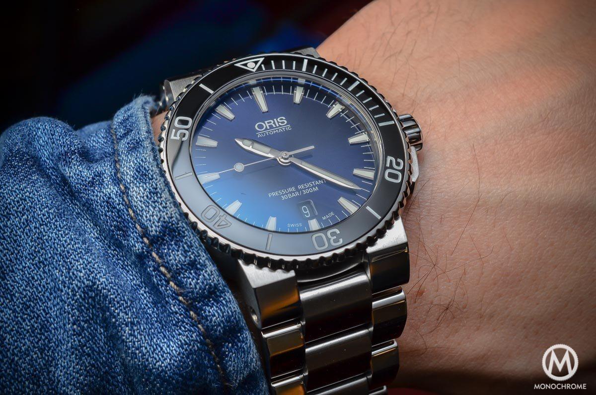 Oris Aquis Date Gradient Blue - 3