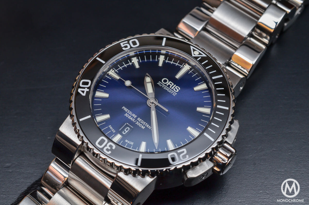 Oris-Aquis-Date-Gradient-Blue-4
