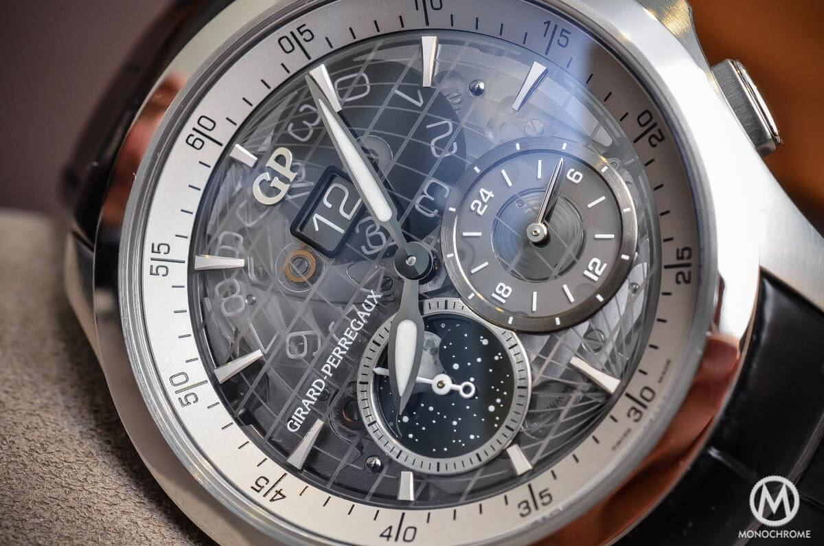 Girard-Perregaux Traveller Large Date, Moonphase & GMT sapphire dial - 5
