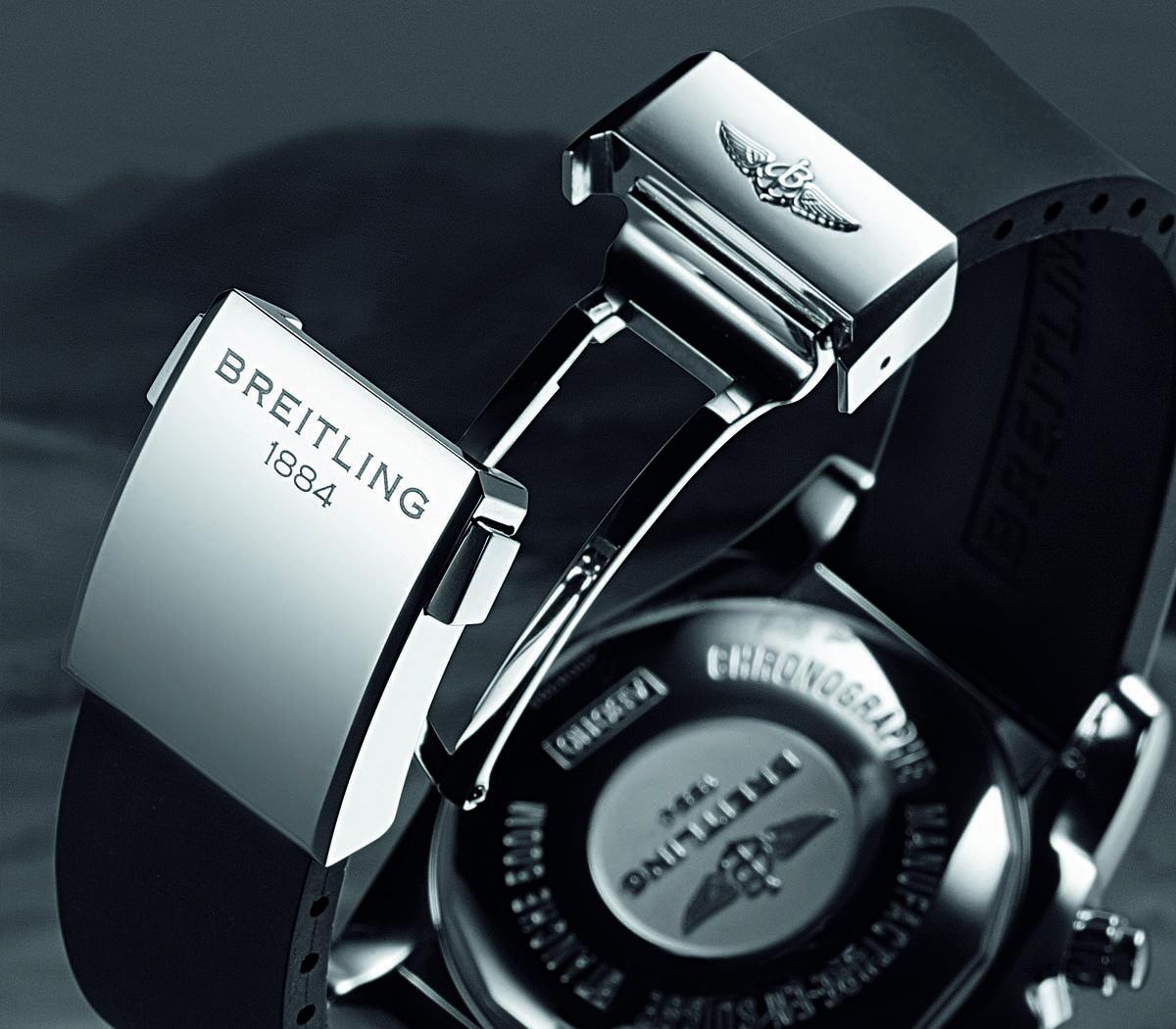 Comparative Review - Breitling Chronomat B01 vs. IWC Ingenieur Chronograph - 4
