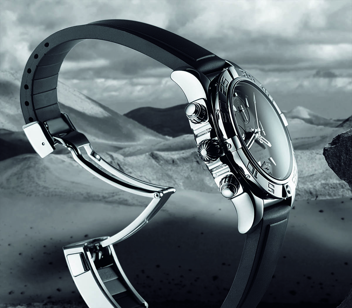 Comparative Review - Breitling Chronomat B01 vs. IWC Ingenieur Chronograph - 5