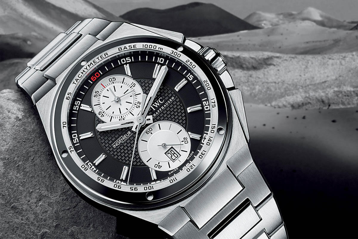 Comparative Review - Breitling Chronomat B01 vs. IWC Ingenieur Chronograph - 8