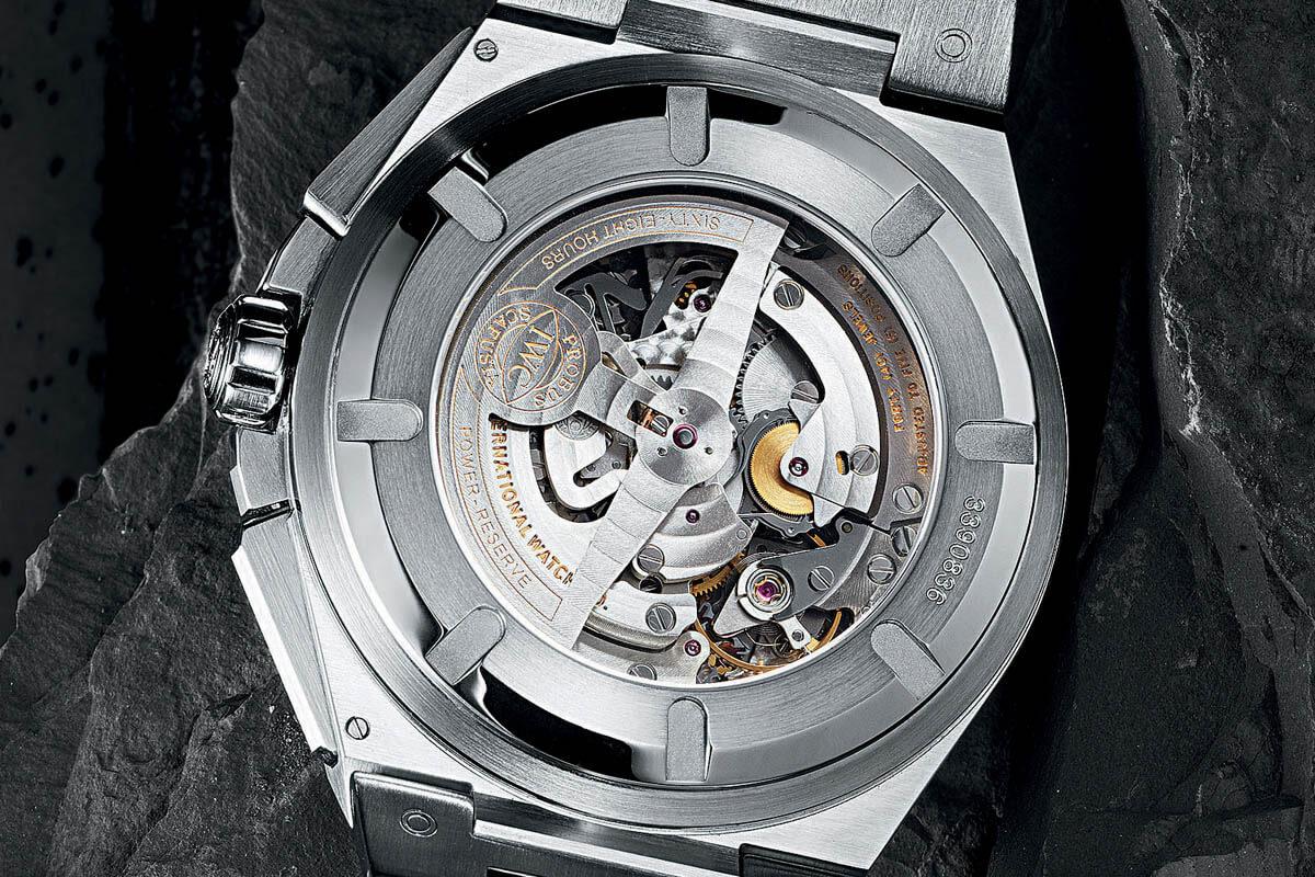 Comparative Review - Breitling Chronomat B01 vs. IWC Ingenieur Chronograph - 9