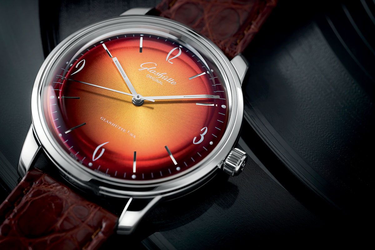 Glashutte Original Sixties Red dial Close up