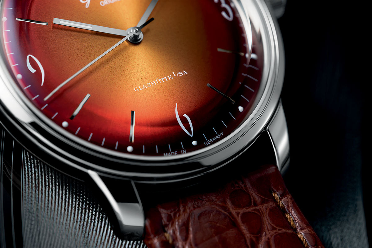 Glashutte Original Sixties Red dial detail