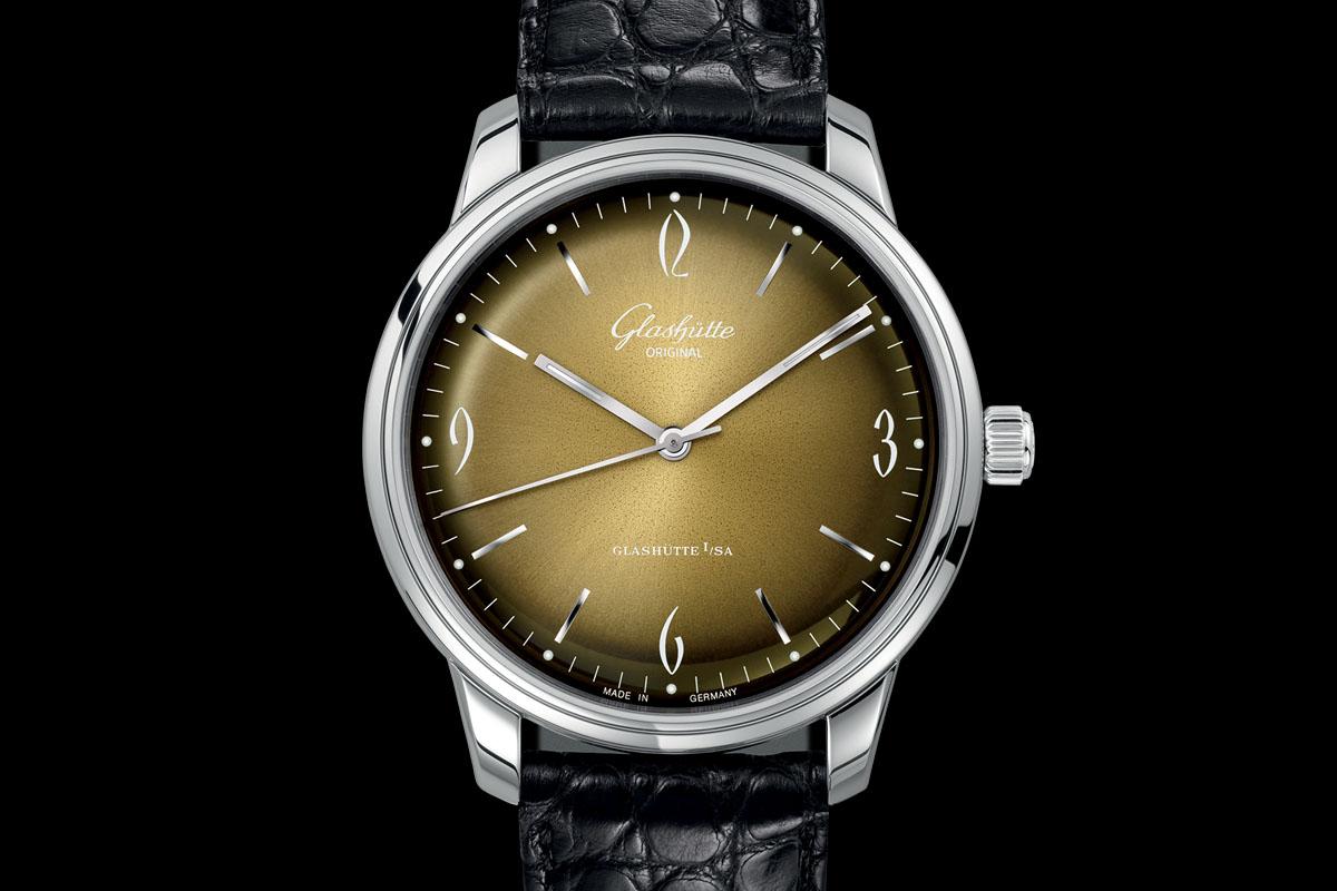 Glashutte Original Sixties golden dial soldat