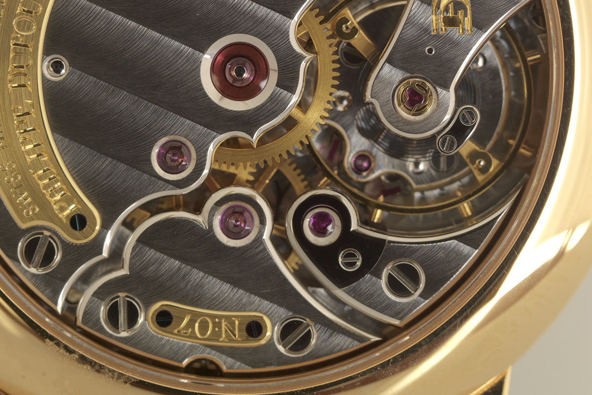 Philippe Dufour Simplicity movement close up