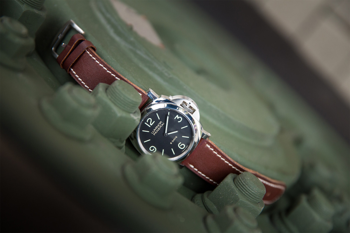 The Collector's Series - Panerai Luminor Base 8 Days PAM00560