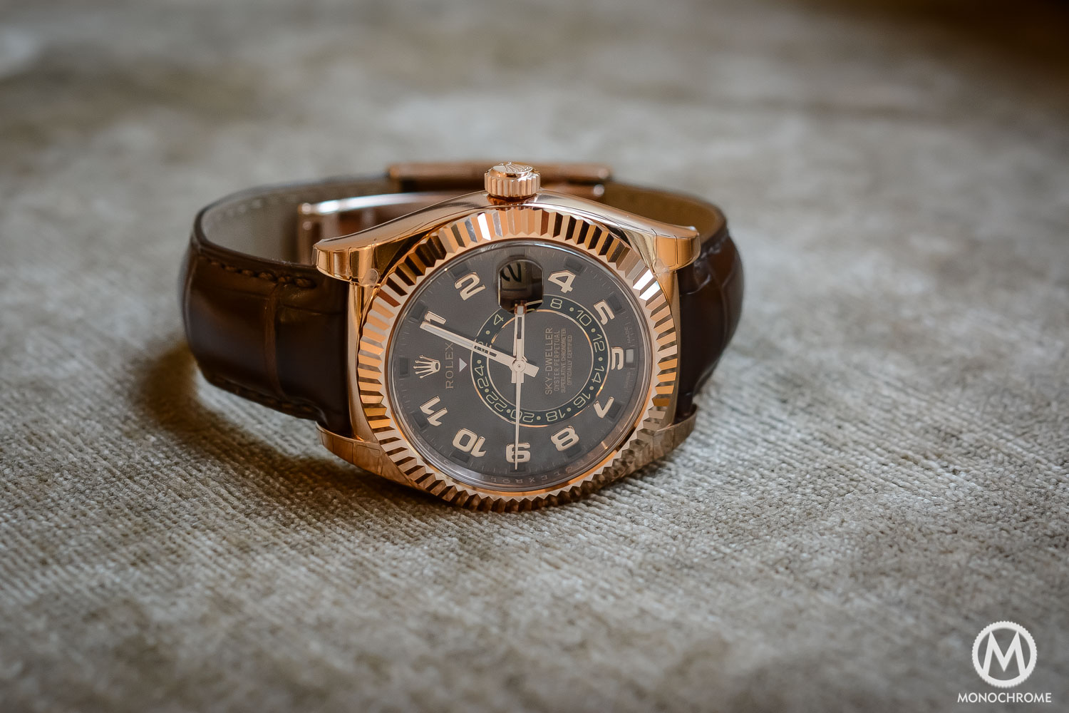 Rolex Sky-Dweller Review - Case and bracelet - everose gold chocolate brown dial