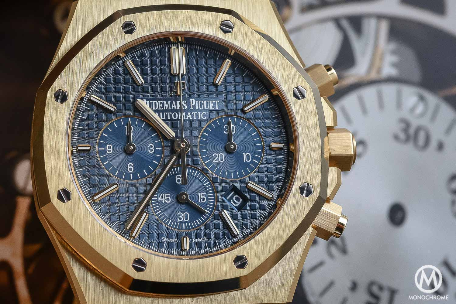 SIHH 2016 Yellow Gold Es Back Hands On With The