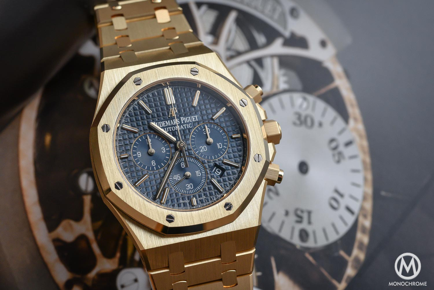 Audemars Piguet Royal Oak Chronograph 26320 yellow gold blue dial - SIHH 2016