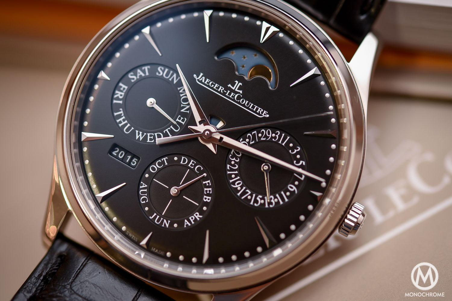 Jaeger-LeCoultre-Master-Ultra-Thin-Perpetual-steel-black-dial-SIHH-2016-8