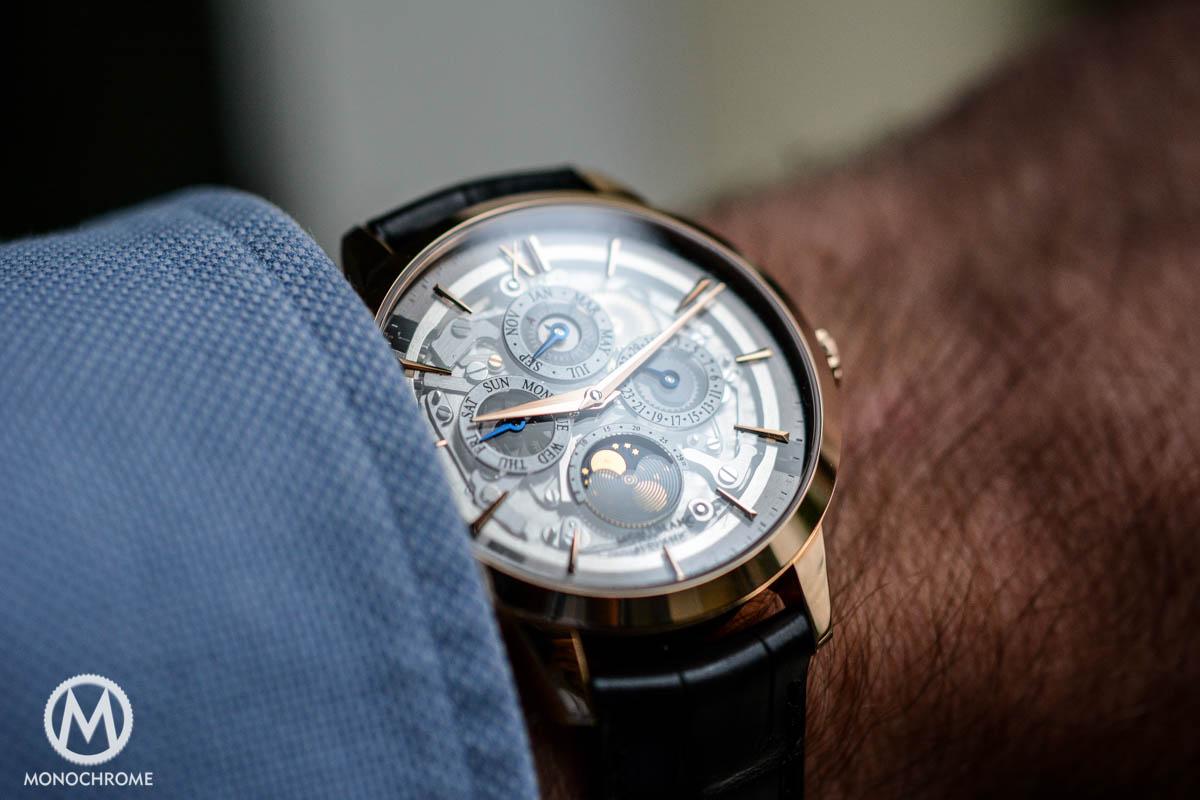 Montblanc-Heritage-Spirit-Perpetual-Calendar-Sapphire-Dial-4384