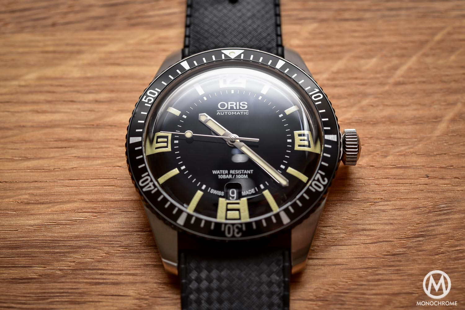 Comparative Review - 3 affordable & vintage-inspired dive watches - Oris Divers Sixty Five - 2