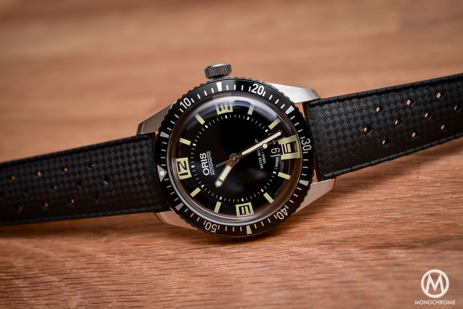 Comparative Review - 3 affordable & vintage-inspired dive watches - Oris Divers Sixty Five - 3