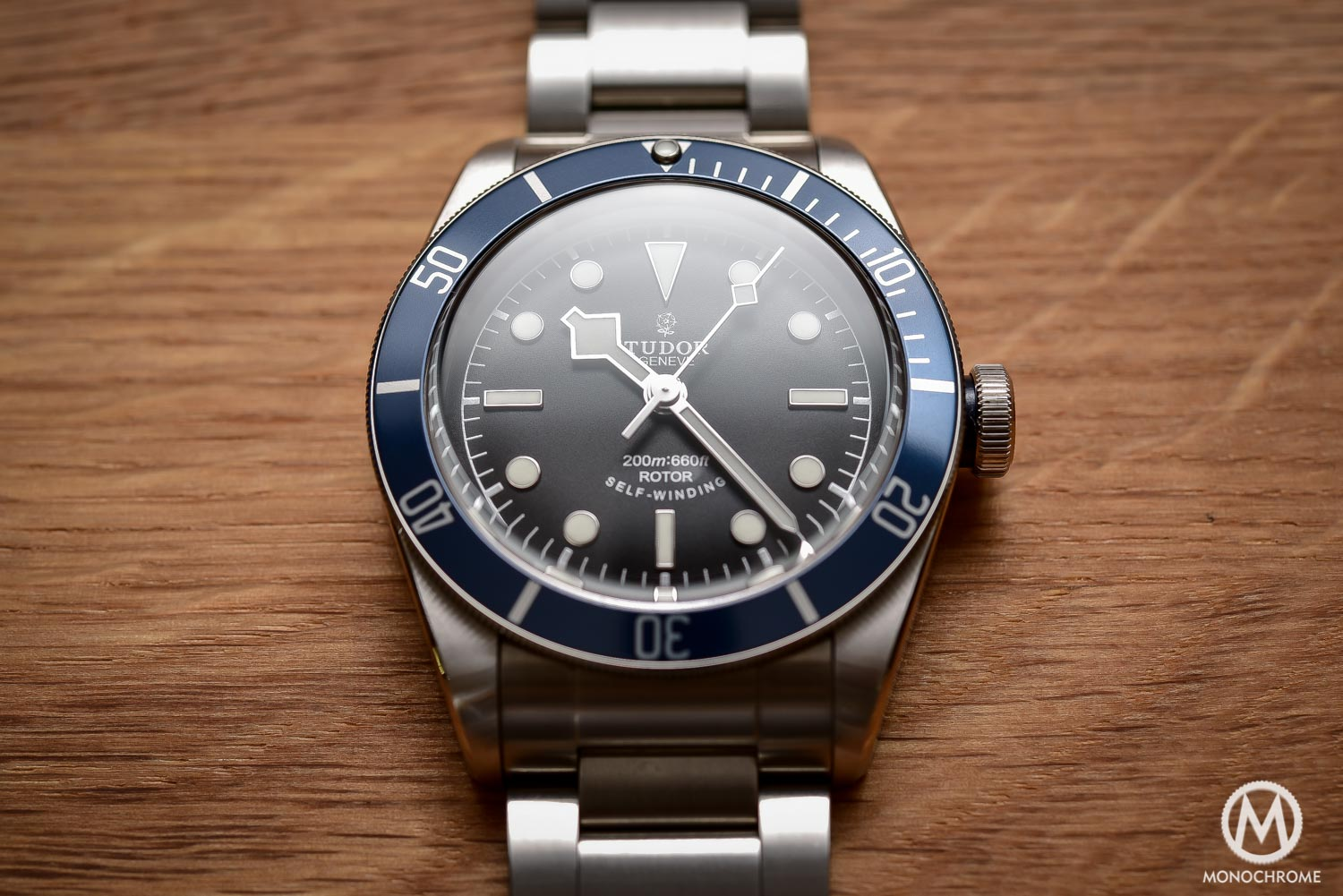 Comparative Review - 3 affordable & vintage-inspired dive watches - Tudor Heritage Black Bay Blue 79220B - 2