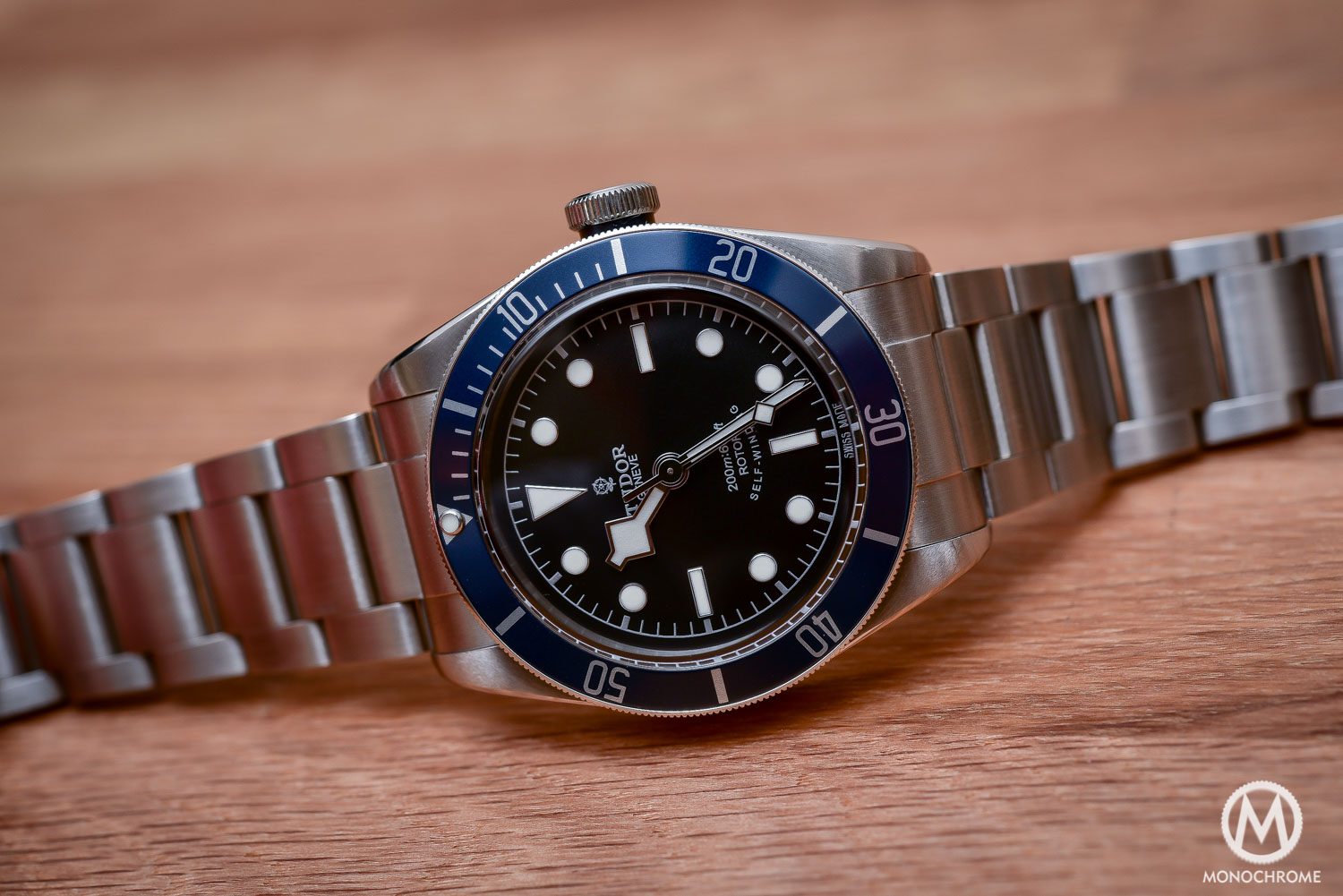 Comparative Review - 3 affordable & vintage-inspired dive watches - Tudor Heritage Black Bay Blue 79220B - 3