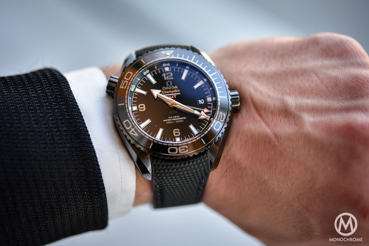 Introducing Omega Seamaster Planet Ocean Deep Black Ceramic Gmt Darker Than The Deep Sea Review With Live Photos Specs Price Monochrome Watches