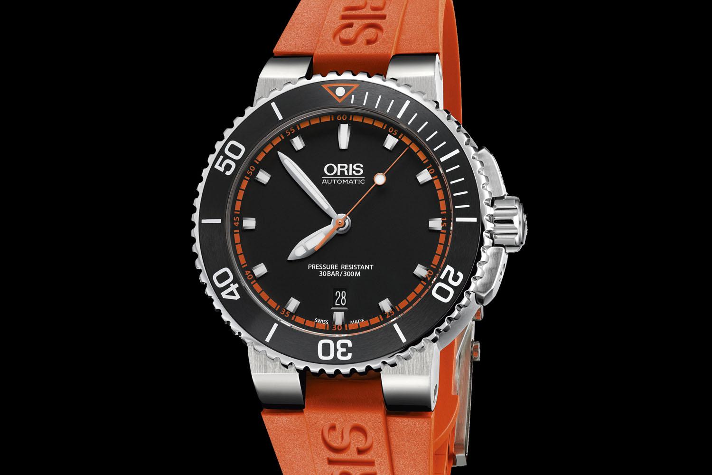 Oris Aquis Date - orange dial - 2016