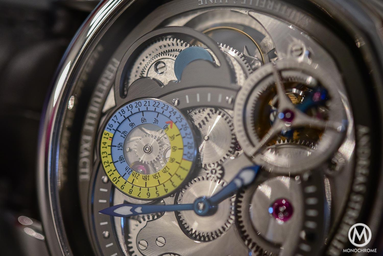 Andreas Strelher Papillon Sauterelle a Lune Exacte - vernier scale