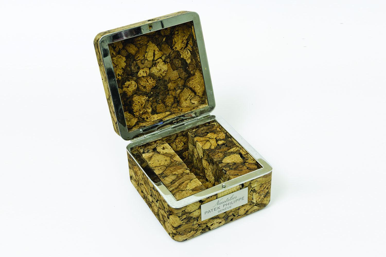 patek-nautilus-3700-1a-cork-box-1976-patek-philippe-nautilus-history