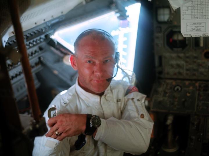 Buzz Aldrin's presentation_2