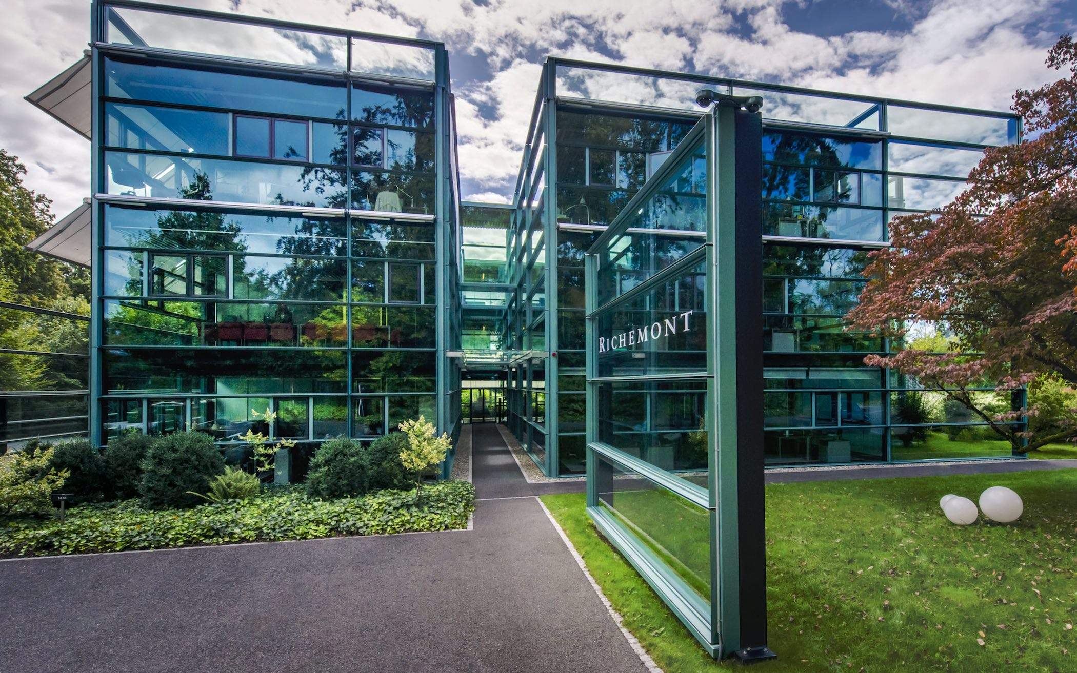 fd0561515383 Business News – Richemont Announces Solid Double-Digit Sales Growth at Ann..