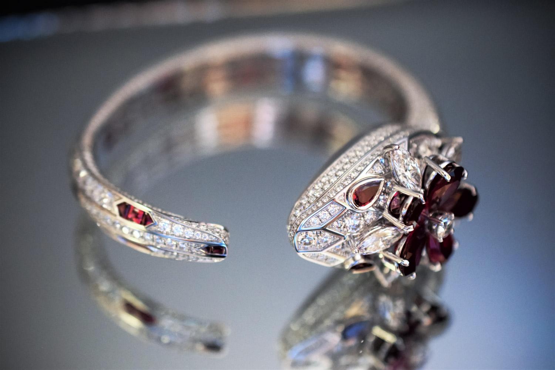 Bulgari Serpenti Seduttori High Jewelry Secret Bangle Unique Watches