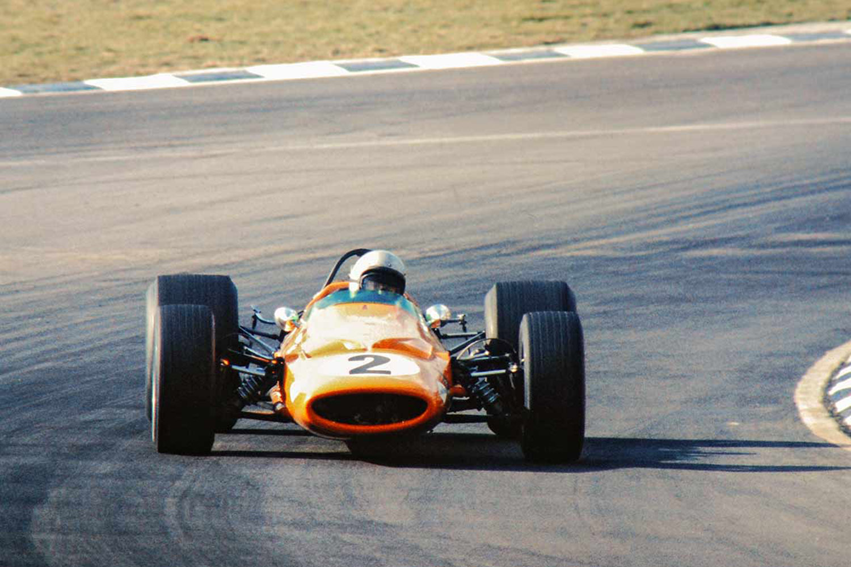 1968_Race_of_Champions_Brandshatch_Bruce_McLaren_McLaren_M7A_Cosworth