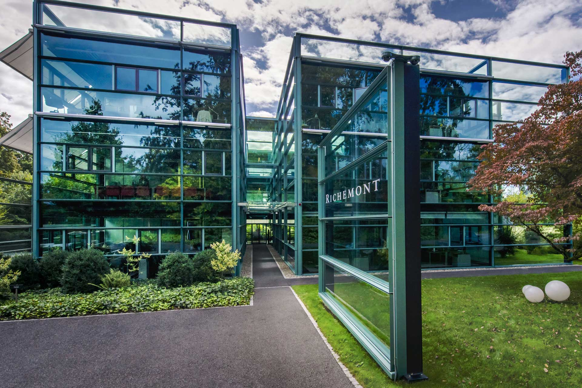 Industry News – Richemont Group First Quarter 2019 Results Show Solid Double-Digit Growth