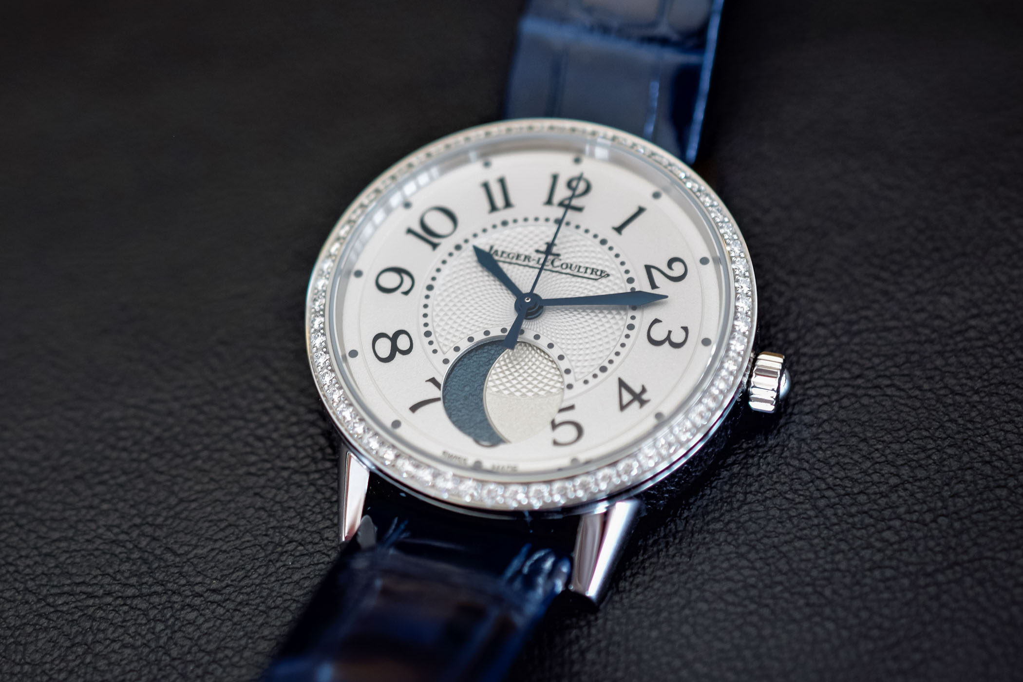 Jaeger-LeCoultre Rendez-Vous Moon Medium Ladies Watc