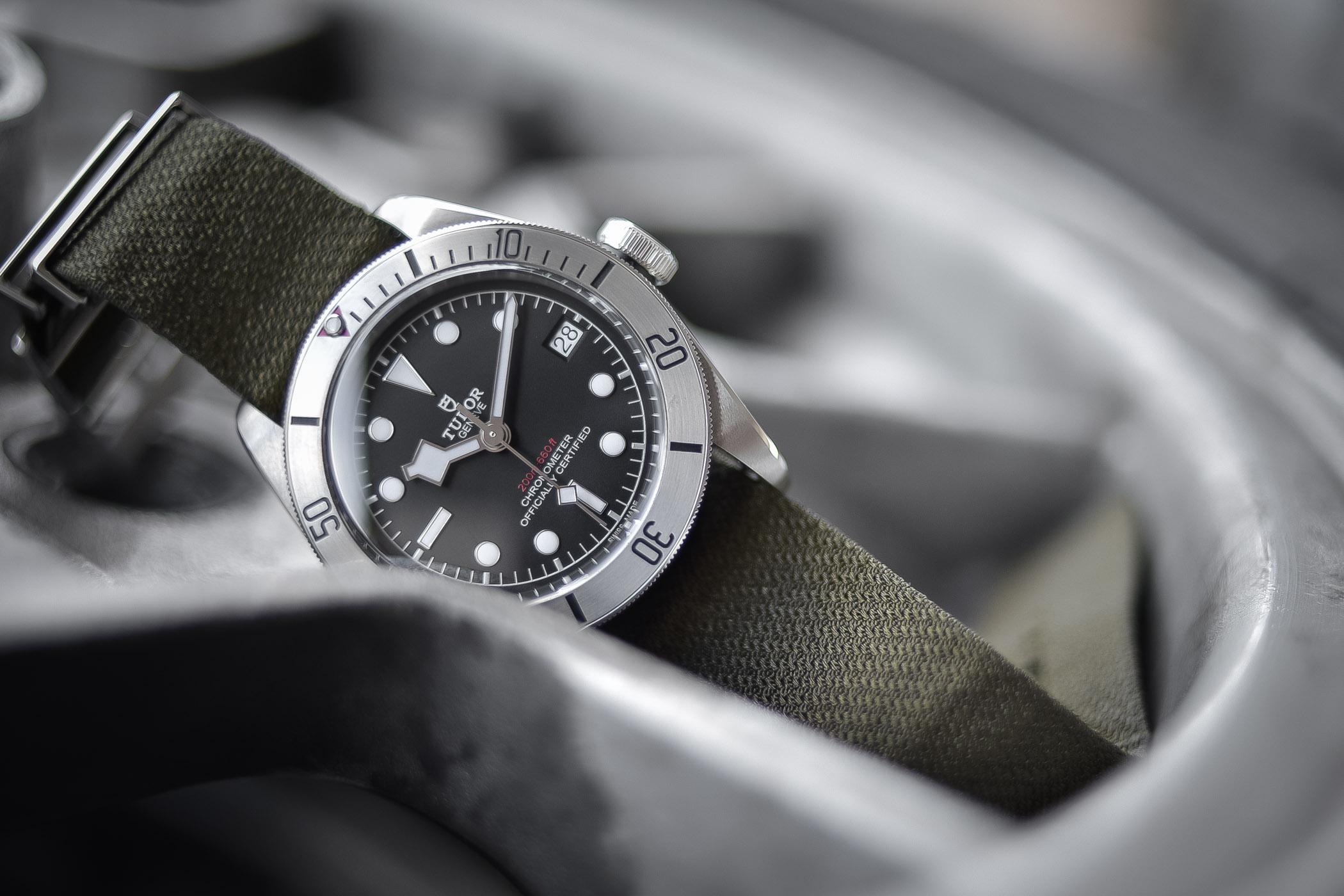 cba31f1bcd Tudor Heritage Black Bay Steel 79730 - Review (Specs   Price)