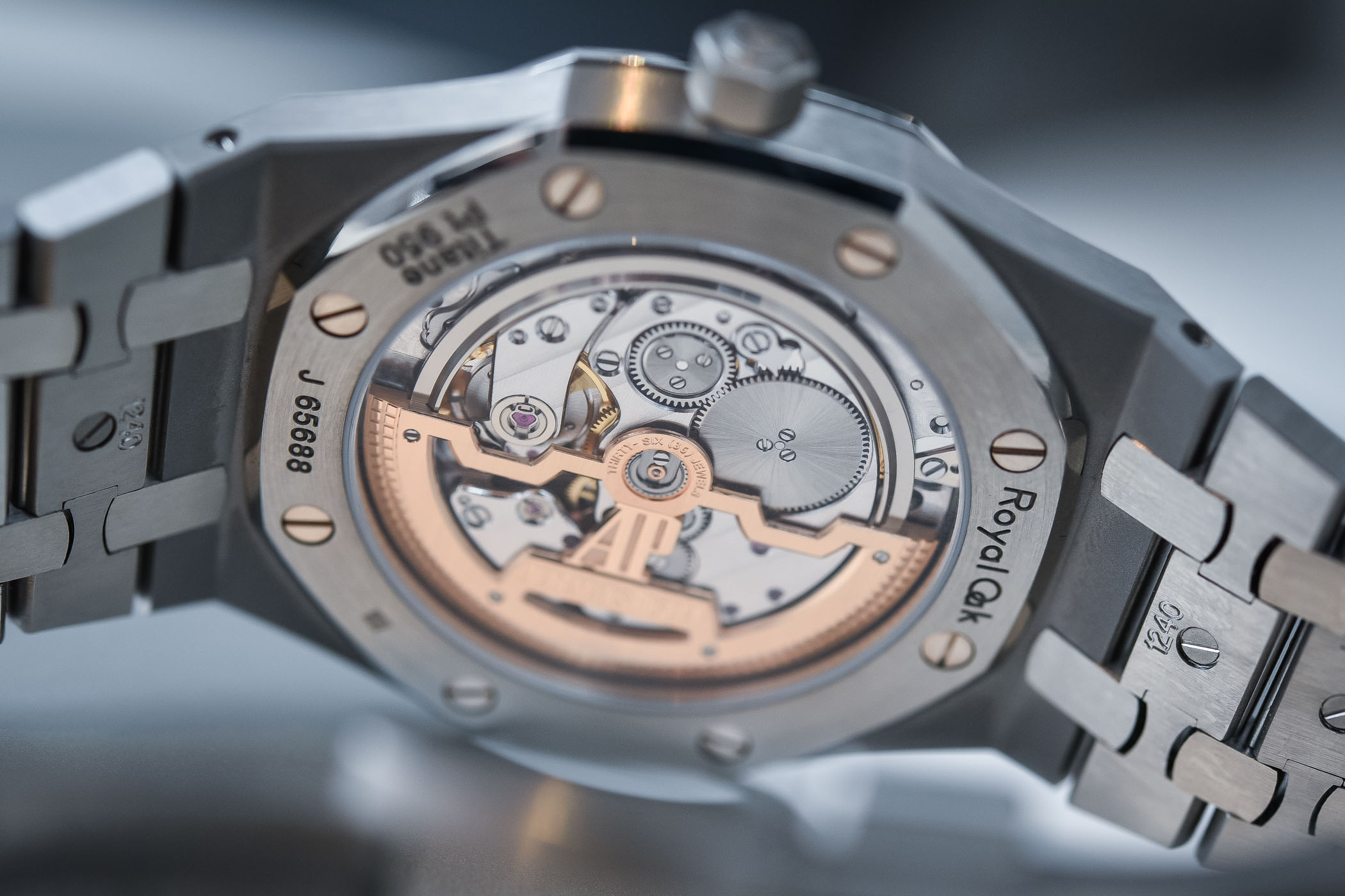 Audemars Piguet Royal Oak Jumbo Extra-Thin 15202IP titanium-platinum smoked blue dial SIHH 2018