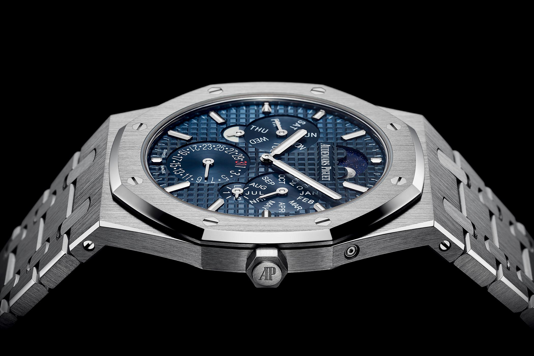 Audemars Piguet Royal Oak RD#2 thinnest Perpetual Calendar 26586PT - SIHH 2018
