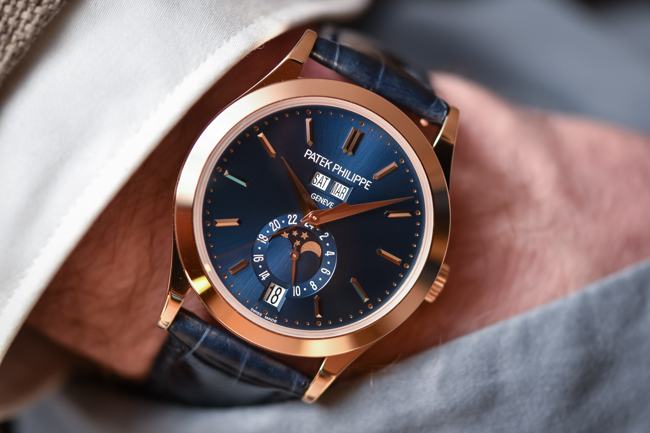Patek Philippe 5396R Annual Calendar Rose gold Blue dial