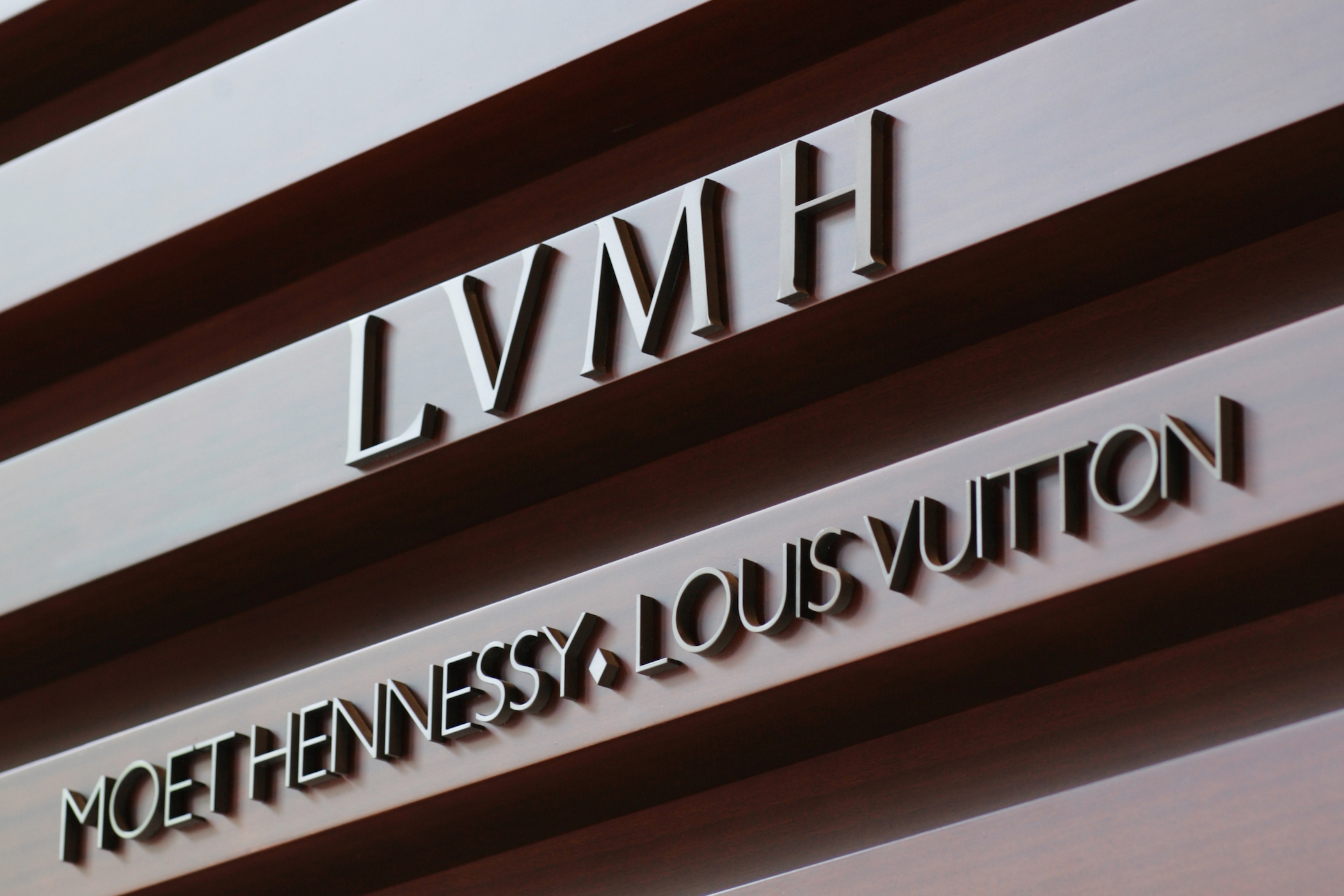 5de431531822 LVMH 2017 Annual Results - Double Digit Growth Watch and Jewelry ...
