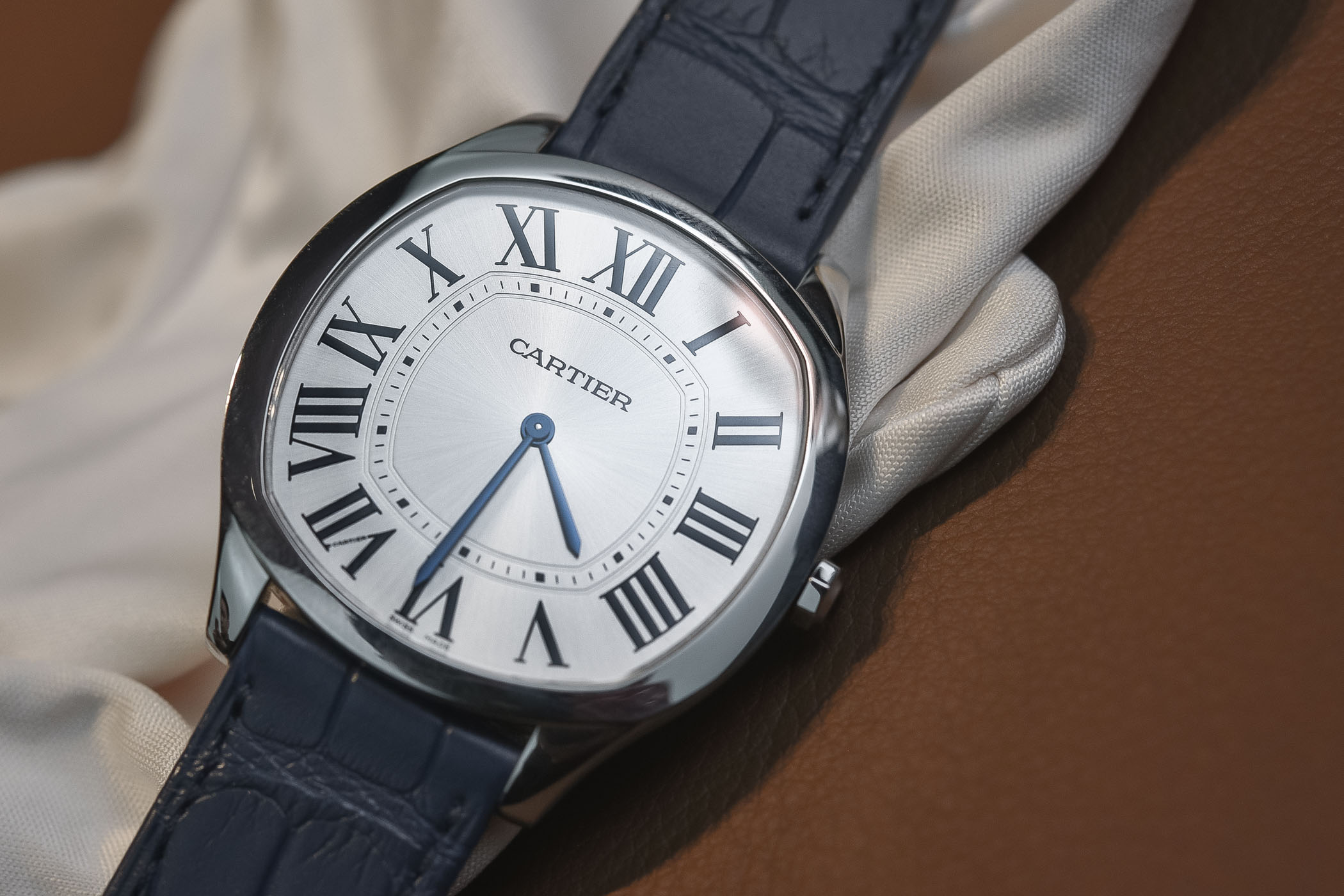 Hands-On - Cartier Drive de Cartier Extra Flat in Steel (Specs   Price) 76d1be084b