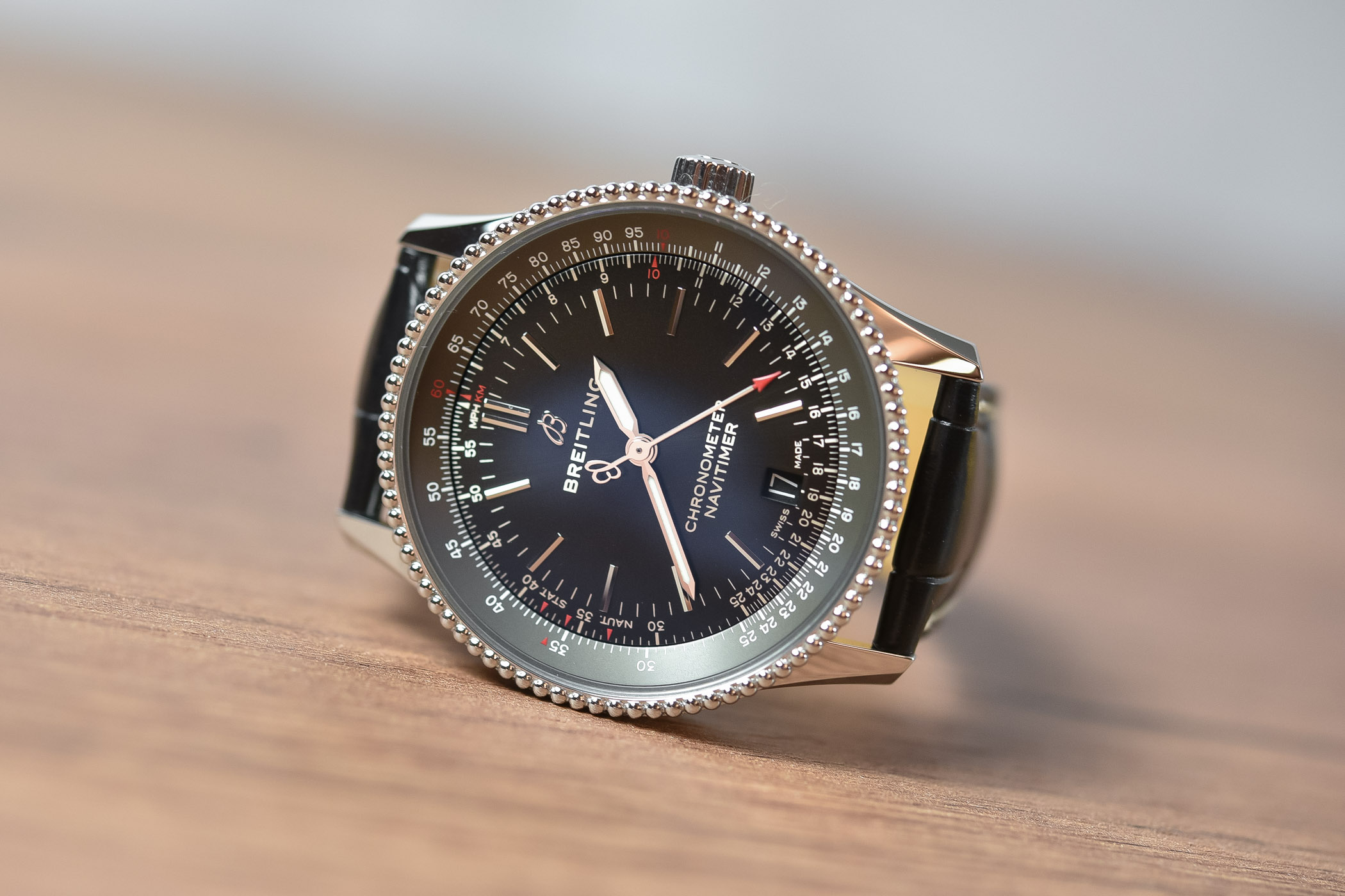 Review Breitling Navitimer 1 Automatic 38 3 Hand Specs Price
