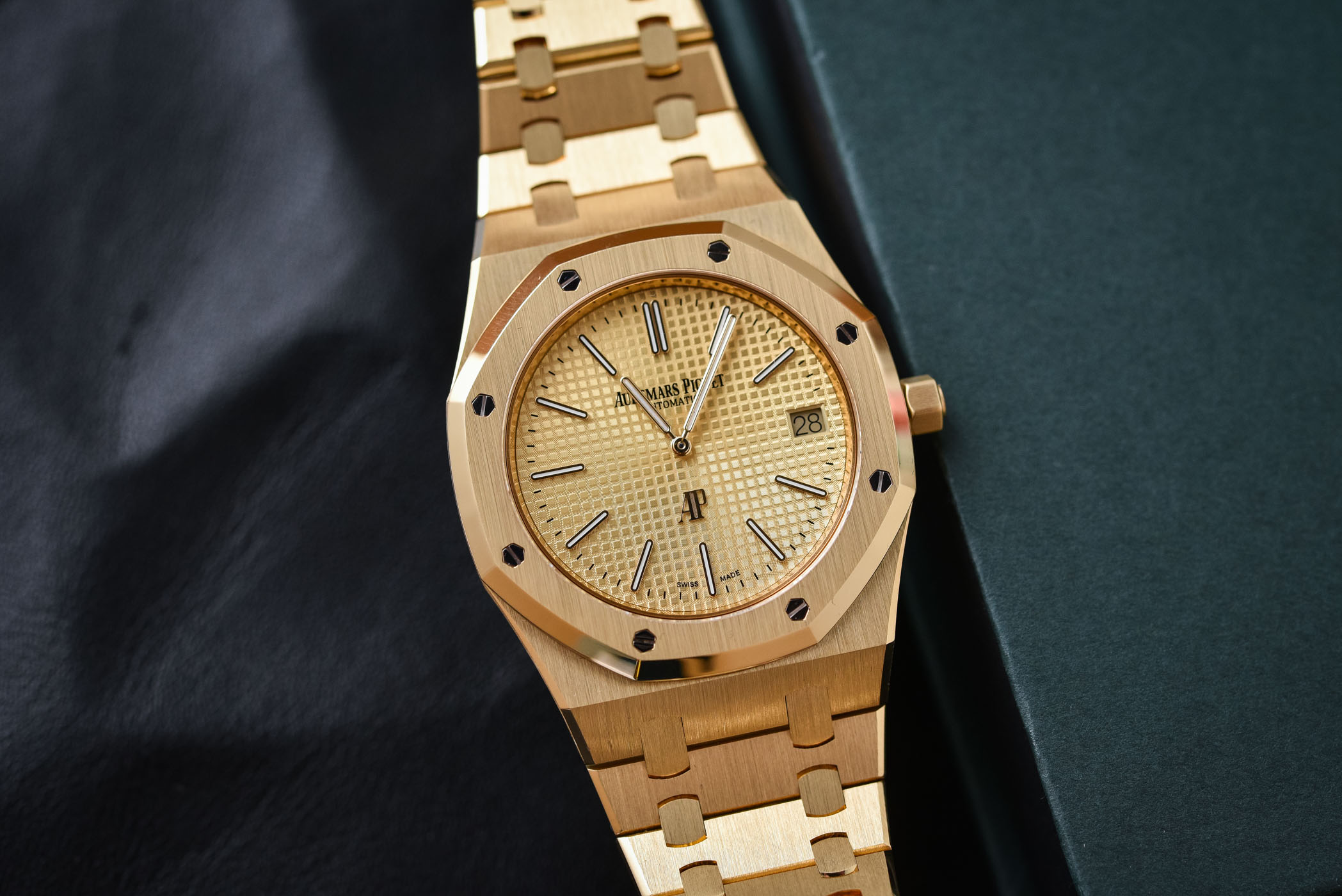 Audemars Piguet Royal Oak Extra-thin Yellow Gold 15202