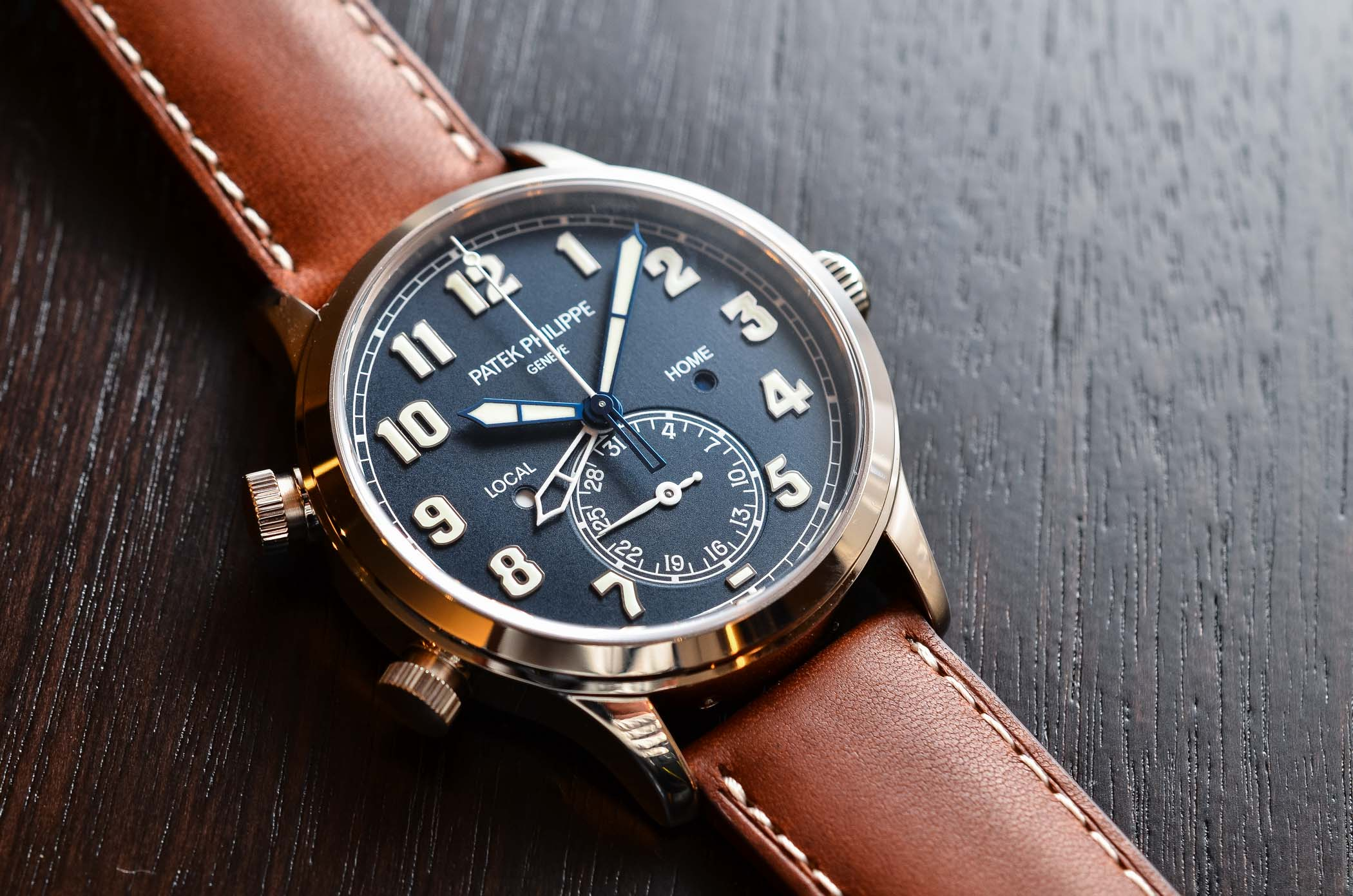 Patek Philippe Calatrava Pilot Travel Time 5524G White Gold