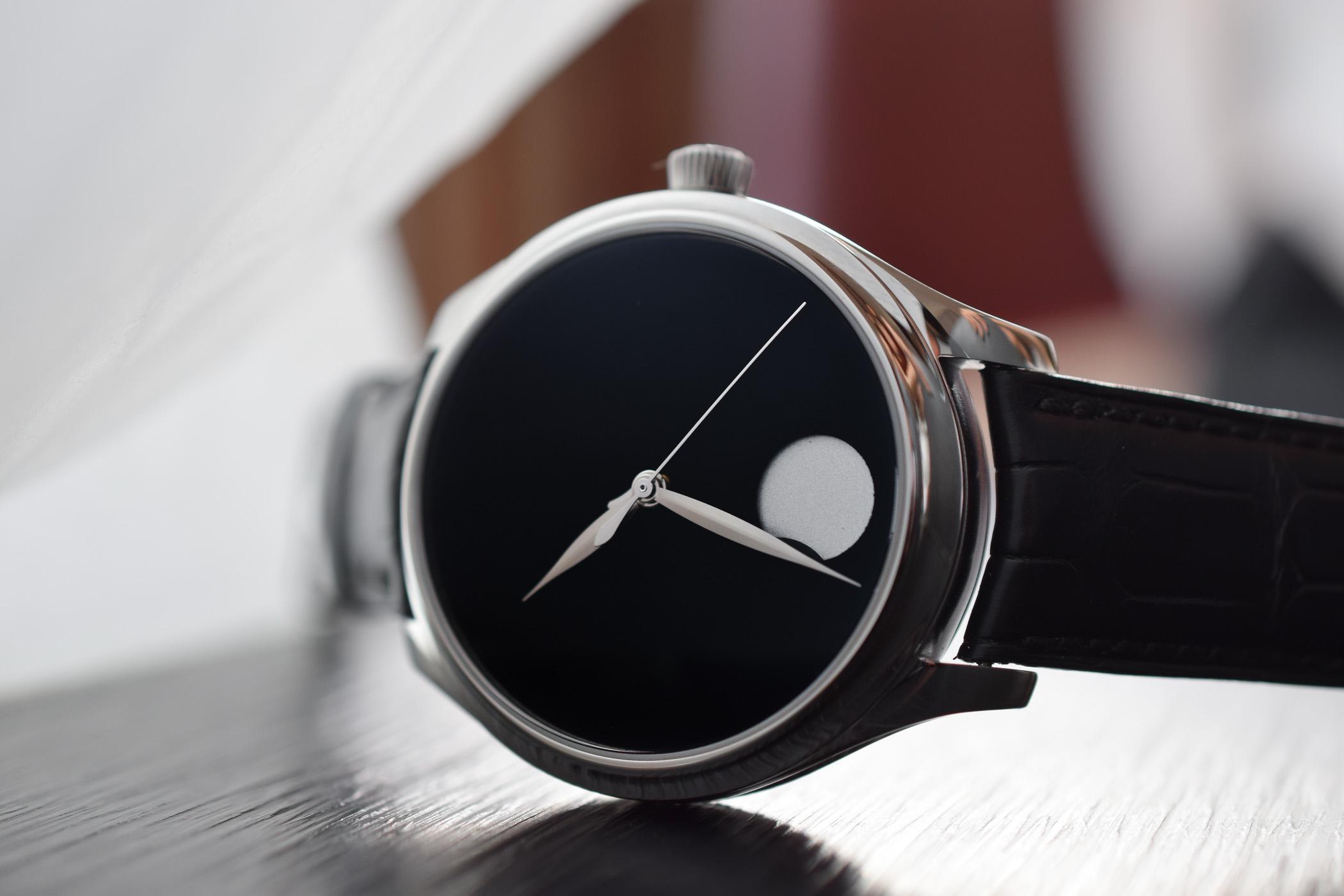 H. Moser & Cie Endeavour Perpetual Moon Concept Vantablack